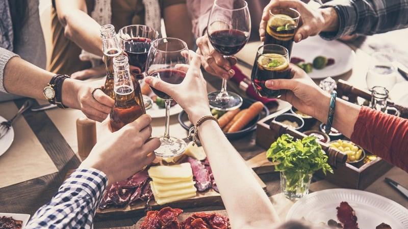 Hasta el 8 de enero se habilitan encuentros sociales solo para las fiestas